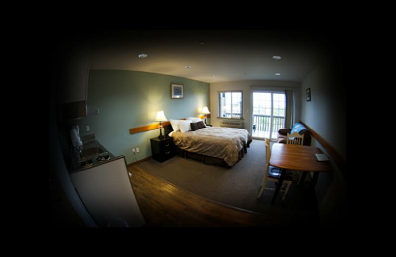 Guest bedroom at Quileute Oceanside Resort.