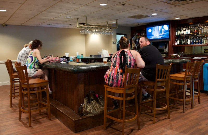The bar at Split Rock Resort & Golf Club.