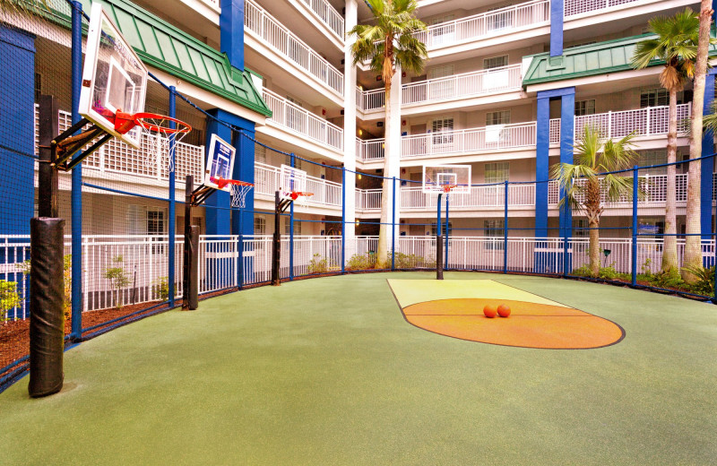 Basketball court at Holiday Inn Resort Orlando Suites - Waterpark.