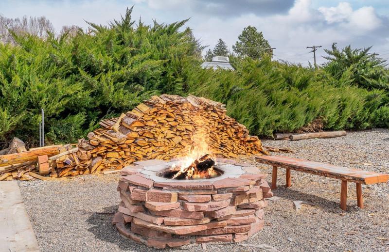 Fire pit at Hotchkiss Inn.