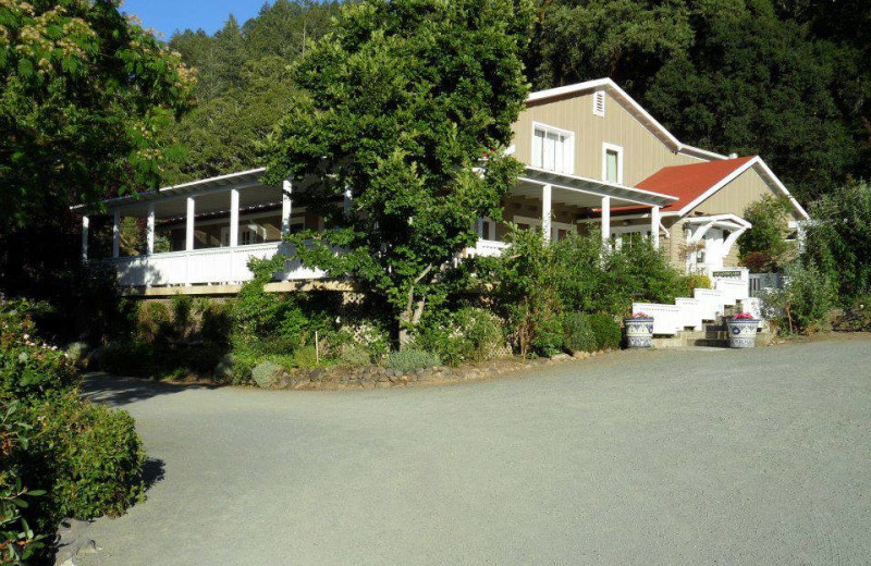 Exterior view of Meadowlark Country House.