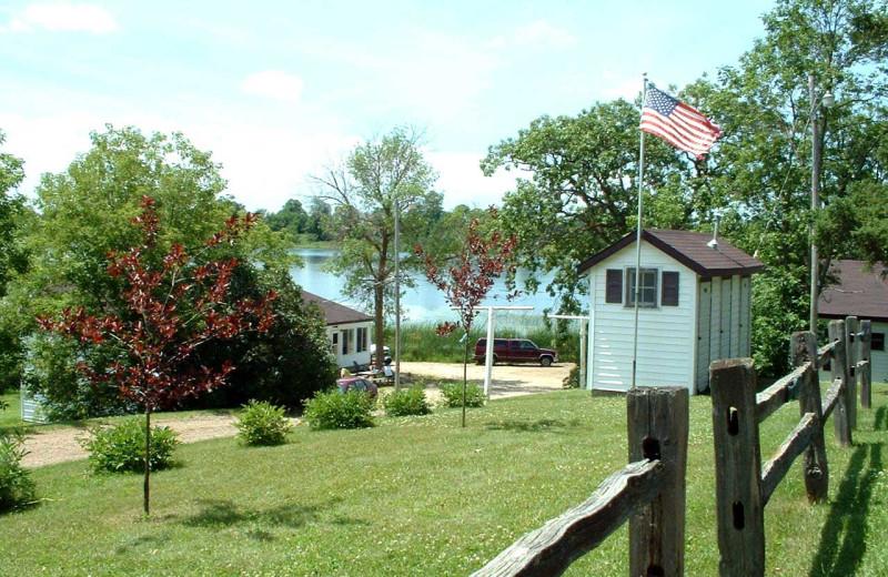 Exterior view of Sunset Bay Resort.