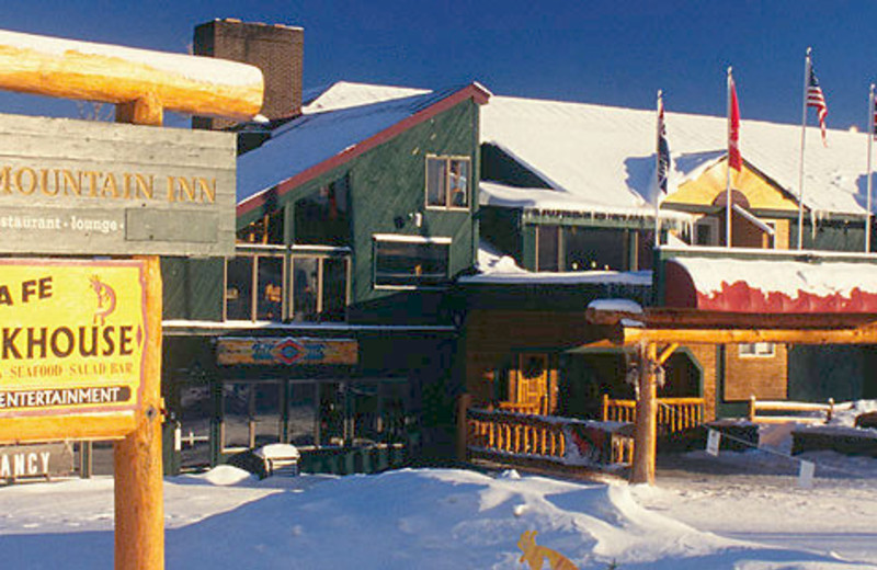Exterior view of Santa Fe Steakhouse at The Mountain Inn.