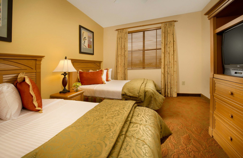 Suite bedroom at Floridays Resort Orlando.