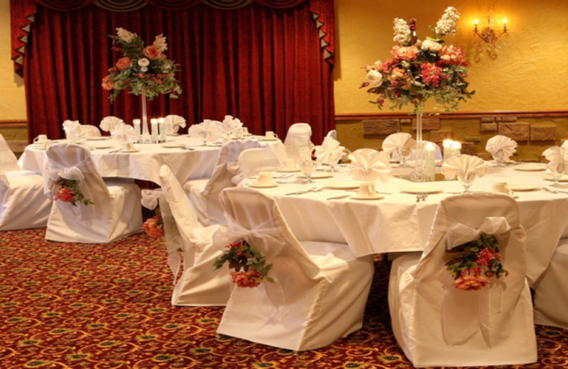 Wedding reception at Lakeview Hills Golf Resort.