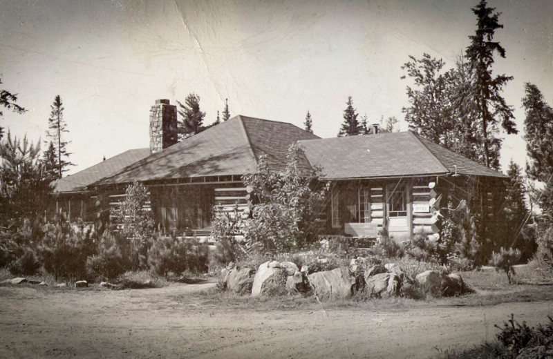 Historic photo of Killarney Lodge in Algonquin Park.
