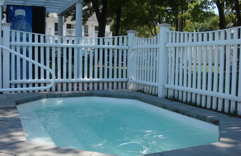 Hot tub at Pink Blossoms Resort.