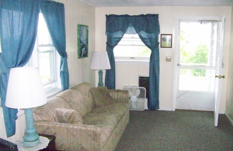 Guest living room at Fieldstone Farm.