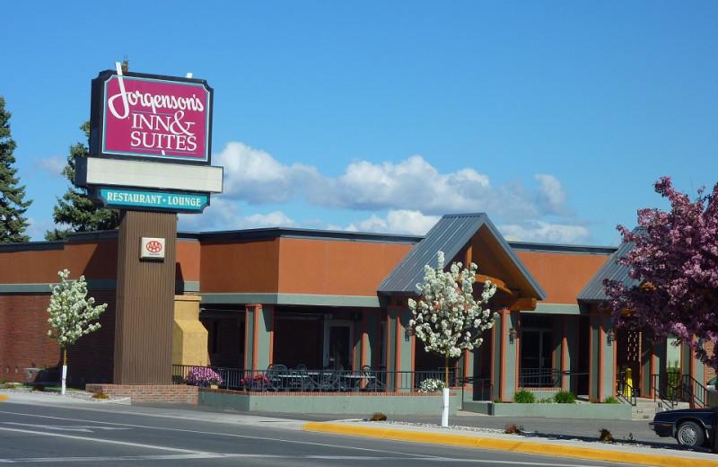 Exterior view of Jorgenson's Inn & Suites.