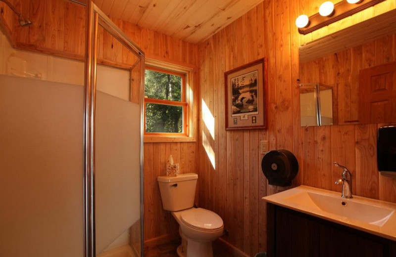 Cabin bathroom at Glenwood Lodge.