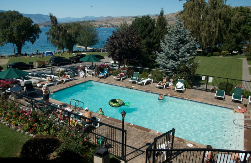 Outdoor pool at  Lakeside Lodge & Suites.