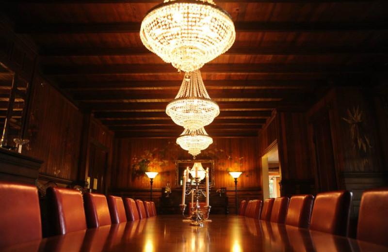 Grand dining room at Spillian.