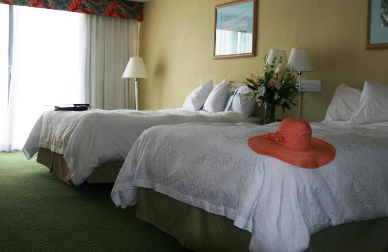 Guest room at Hampton Inn & Suites Islamorada.
