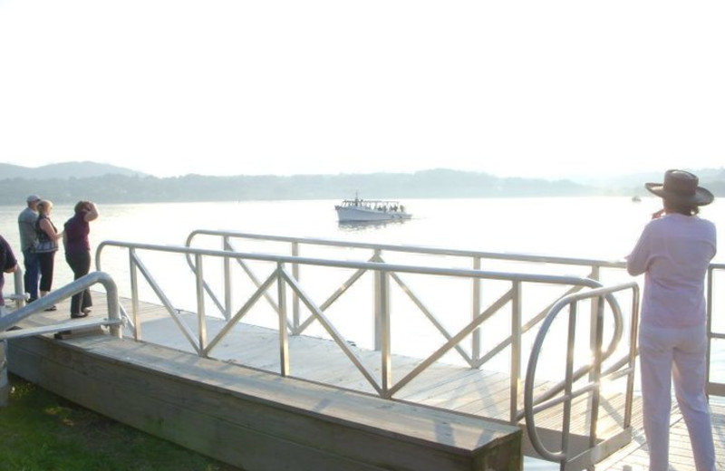 Boat rides on the Hudson River at The Rhinecliff Hotel.