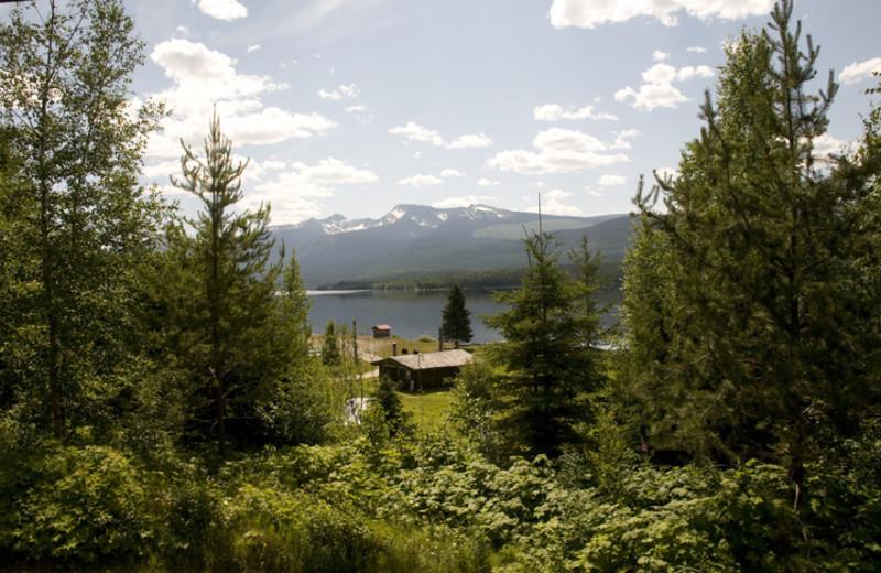 Exterior view of Crooked Lake Resort.