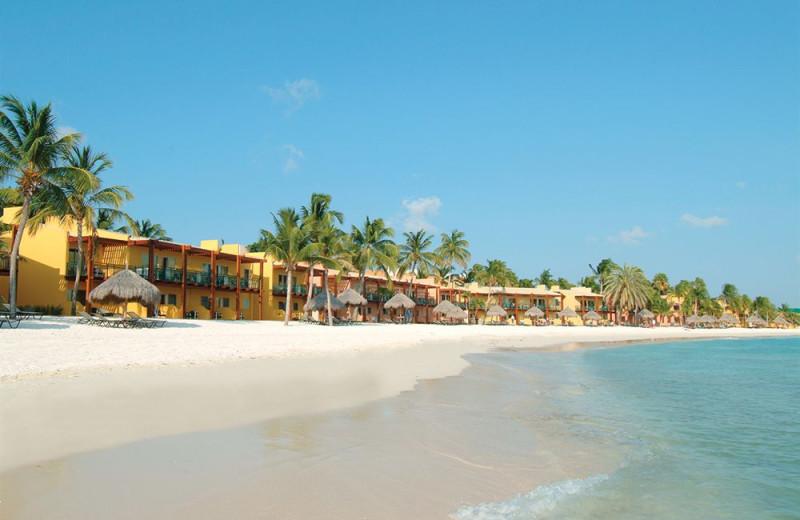 The beach at Tamarijn Aruba.