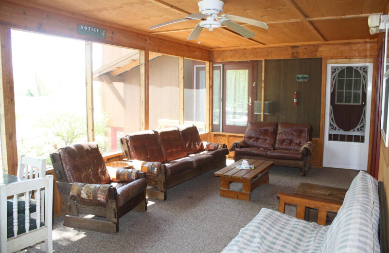 Guest living room at Spring Valley Golf and Lodge.