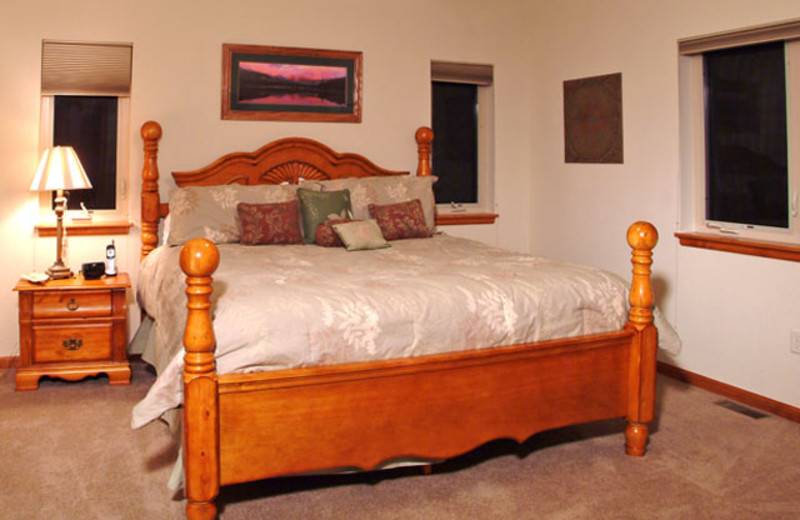 Bedroom Suite at Marys Lake Vacation Condos