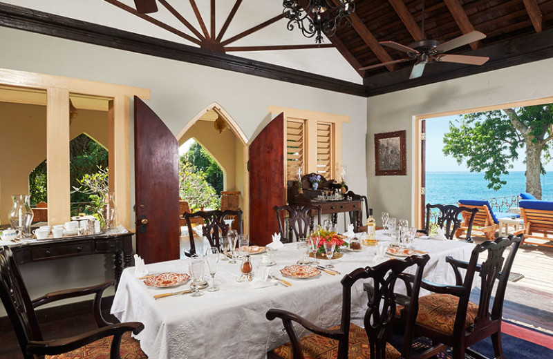 Guest dining room at Bluefields Bay Villas.