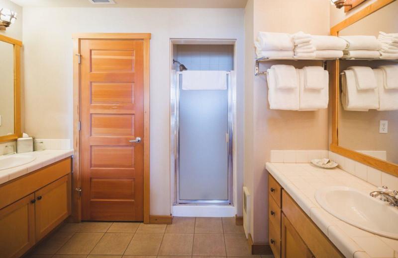 Guest bathroom at Inn at Cape Kiwanda.