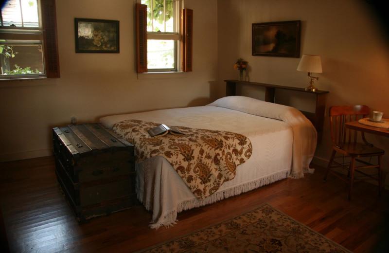 Guest bedroom at Creekside Resort.