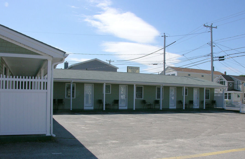 Exterior view of Moontide Motel, Cabins and Apartments.