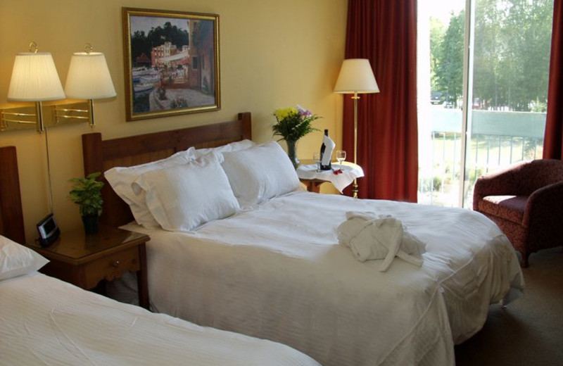 Guest Room at the Cranberry Golf Resort