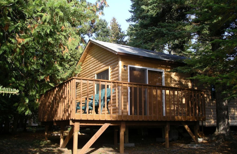 Cabin exterior at Rainbow Point Lodge.