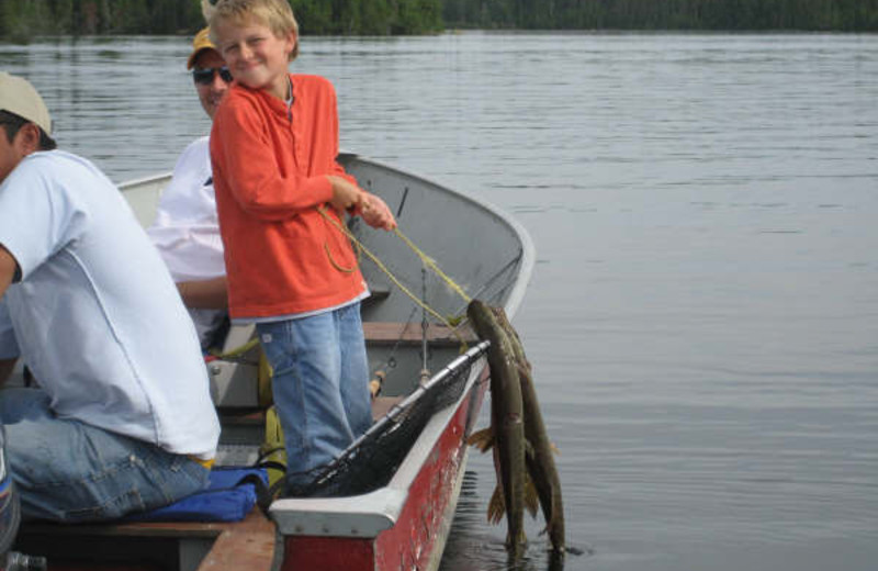 Family friendly fishing at Sandy Beach Lodge.
