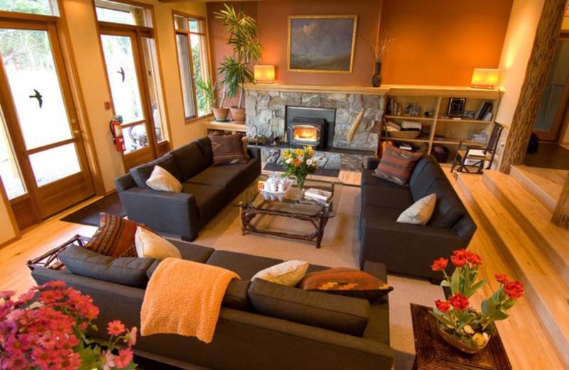 Lounge at Mountain Trek Fitness Retreat & Health Spa.