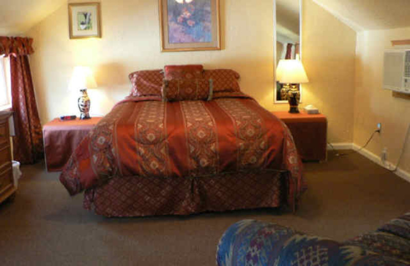 One Bed Guest Room at Alpaca Inn