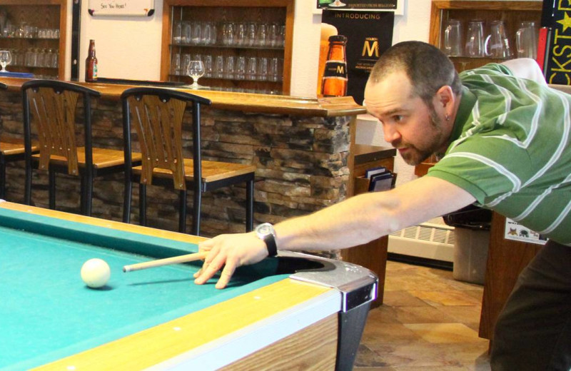 Billiard table at Whistlers Inn.