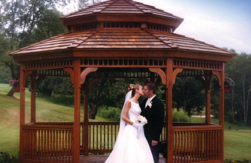 Wedding couple at Villa Roma Resort.