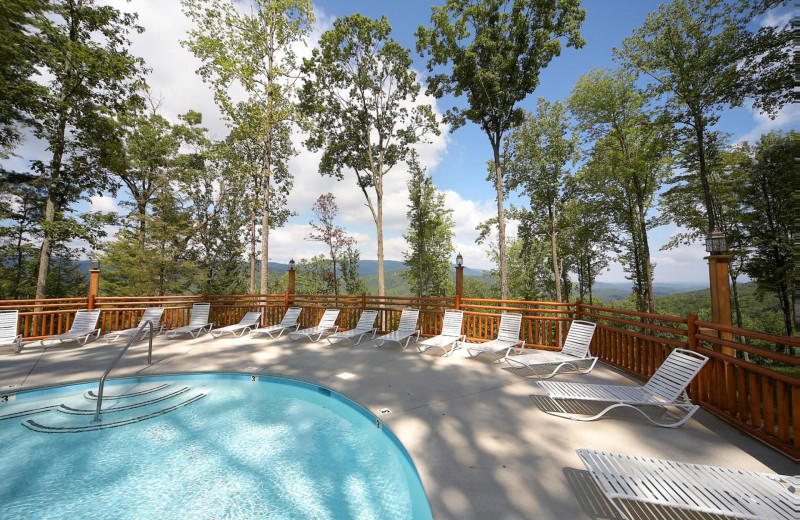 Outdoor pool at Natural Retreats Great Smoky Mountains.