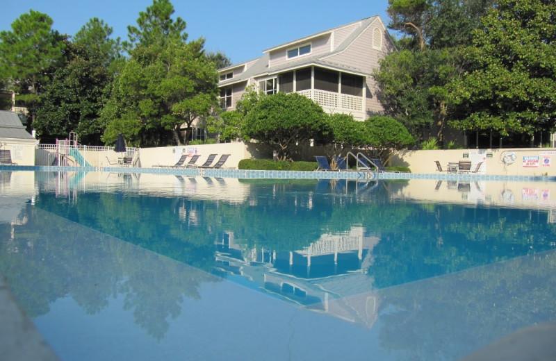 Vacation rental pool at Newman-Dailey Resort Properties, Inc.