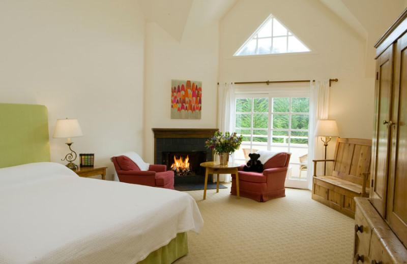 Deluxe King Garden room at Seal Cove Inn.