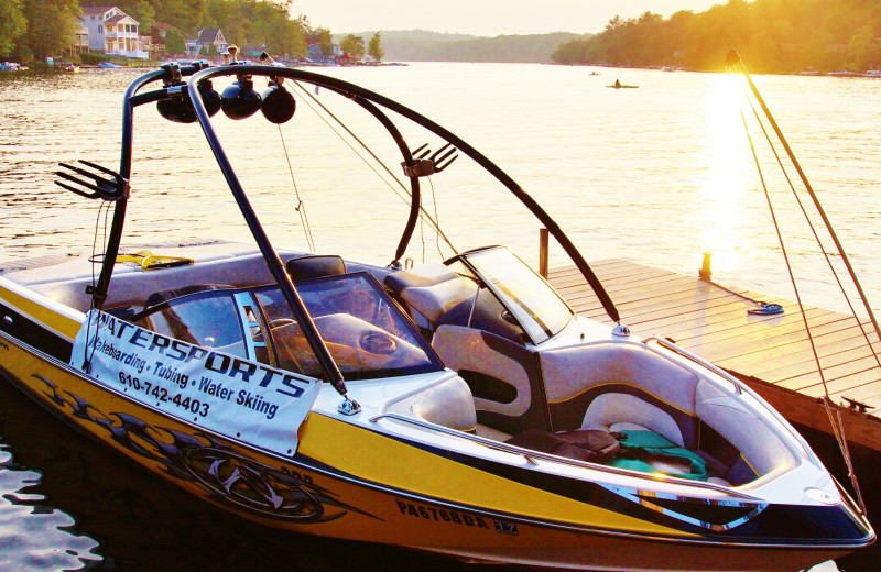 Boating at Pocono Mountain Rentals.