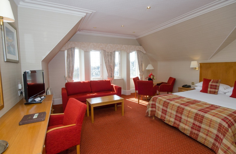 Guest room at Atholl Hotel Aberdeen.
