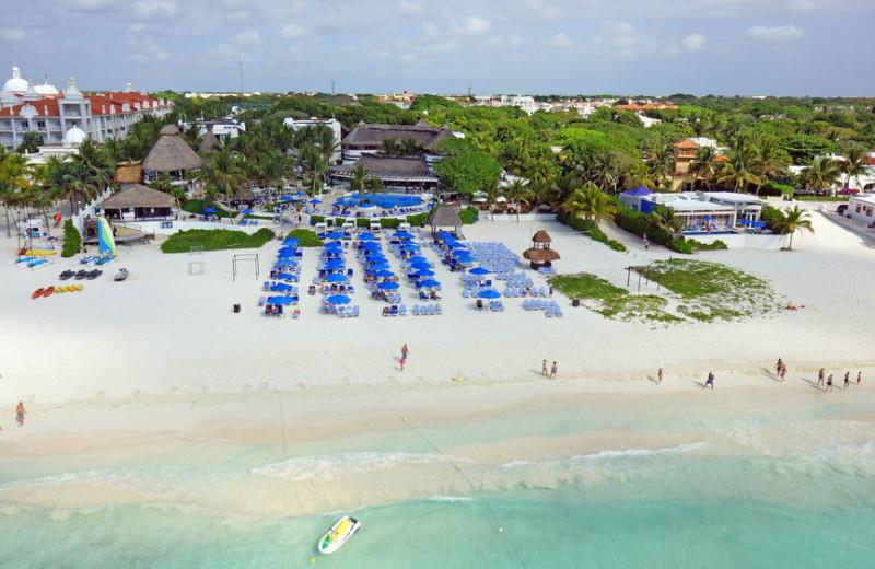 Aerial view of Reef Club Playacar.