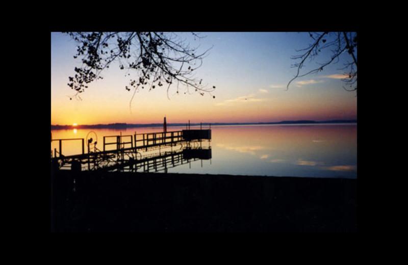 Sunset at Regnbue Haven Resort.