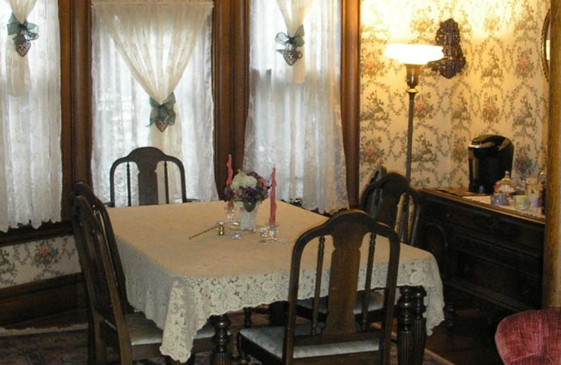 Dining room at Le Blanc House Bed & Breakfast.