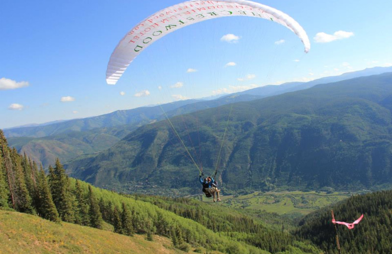 Hang gliding at The Crestwood.