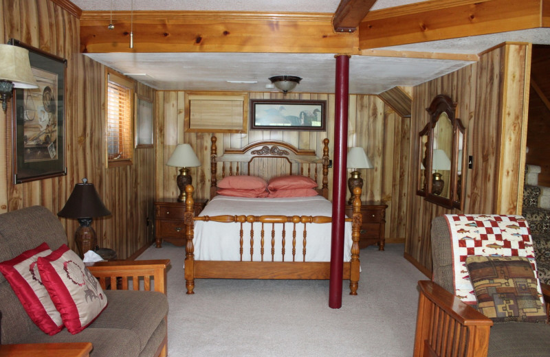 House bedroom at Kenai River Drifter's Lodge.