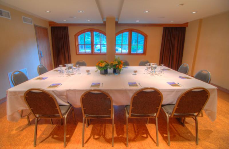 Conference room at Banff Caribou Lodge.
