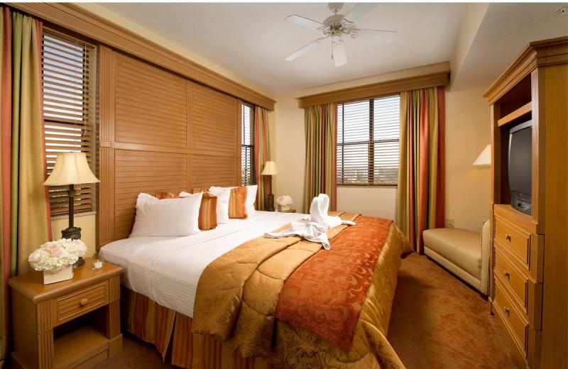 Suite master bedroom at Floridays Resort Orlando.