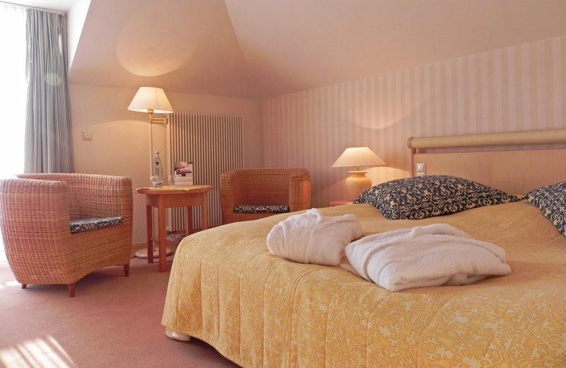 Guest room at Dorint Strandhotel Ostseebad Wustrow.