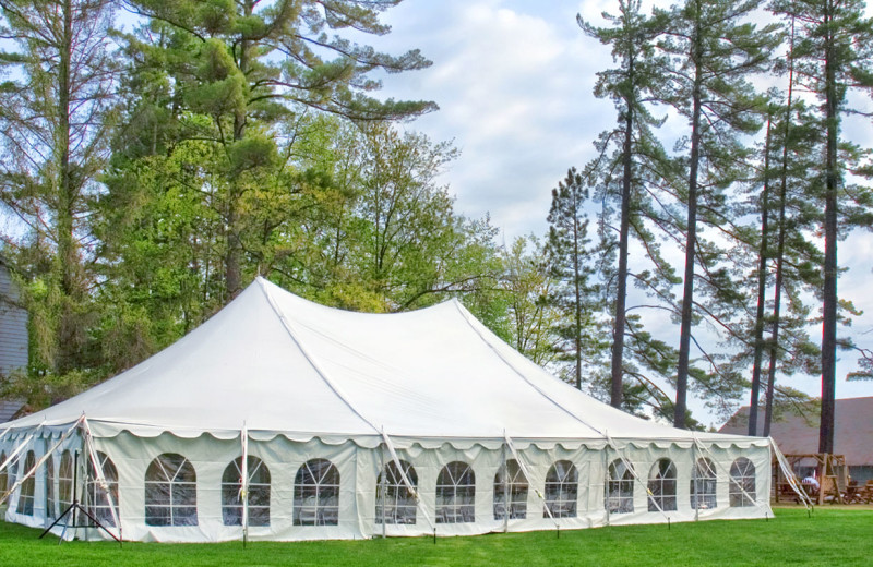 Wedding tent at The Beacons of Minocqua.