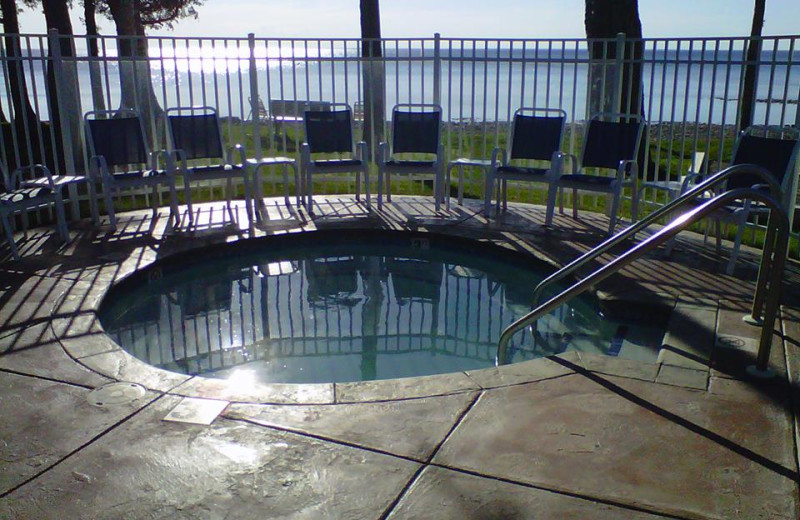 Outdoor hot tub at The Shallows Resort.