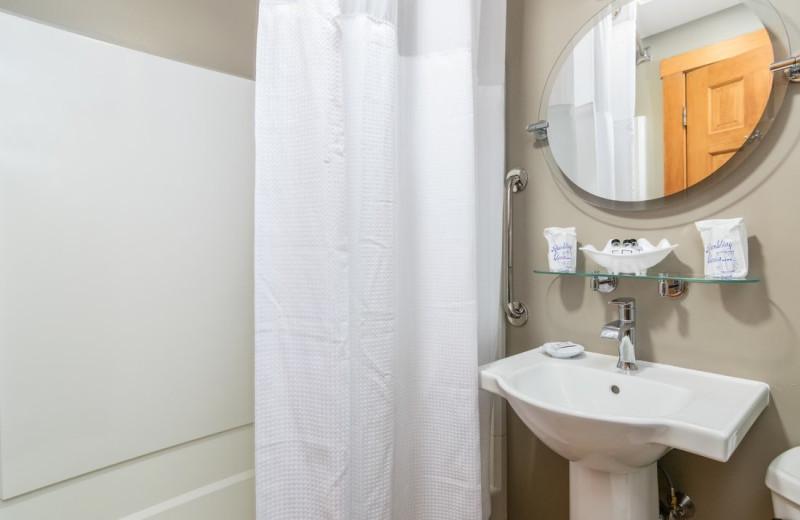 Guest bathroom at Grey Fox Inn.