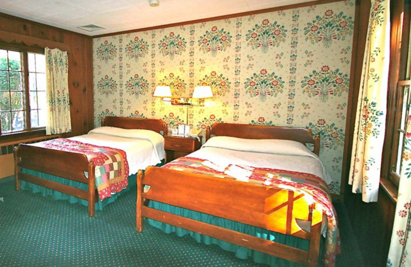 Two Queen Room at Brookside Country Motel